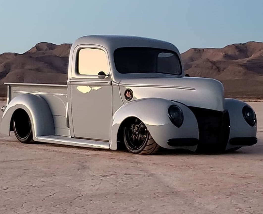 lonnie's 1940 Ford Pickup - Holley My Garage