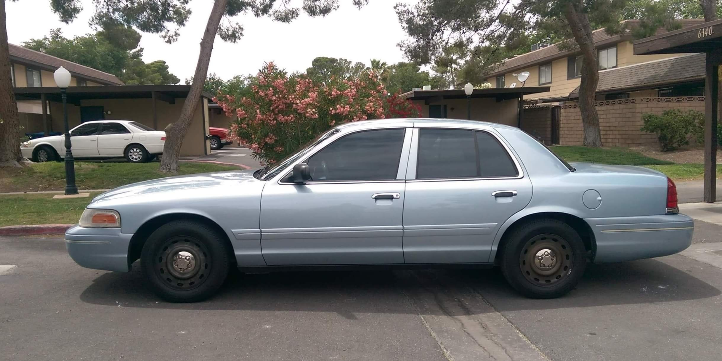 Tracy's 2004 Ford Crown Victoria - Holley My Garage