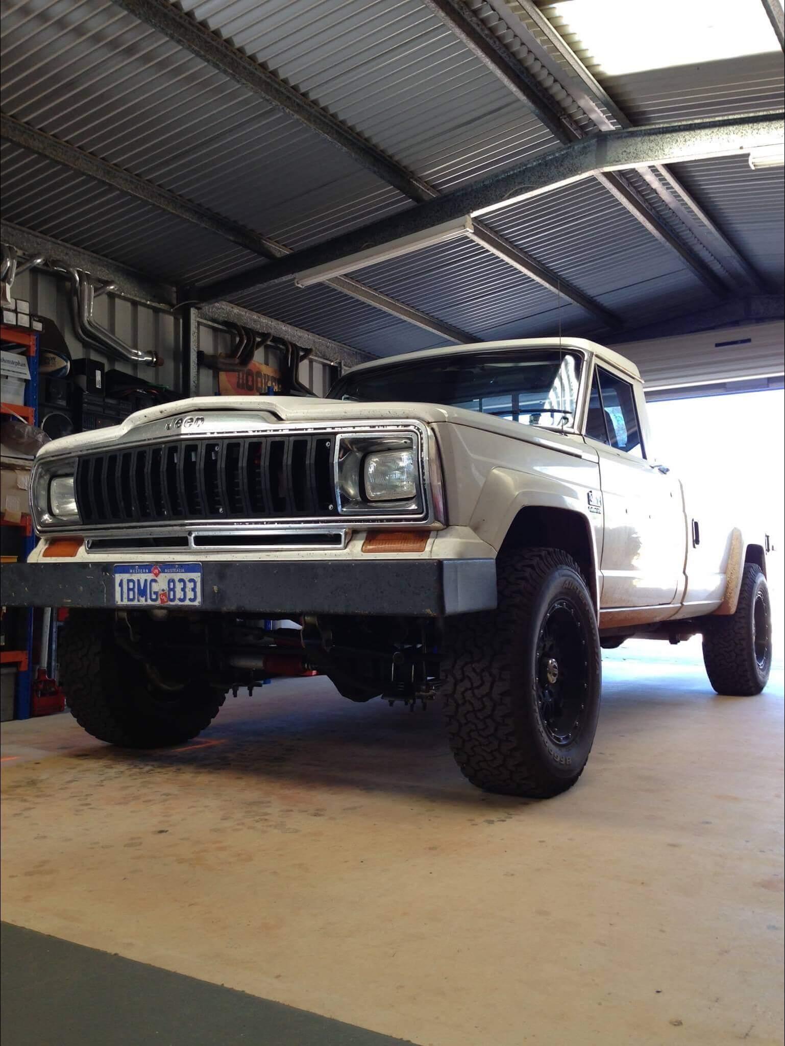 MAJOR's 1984 Jeep J20 - Holley My Garage