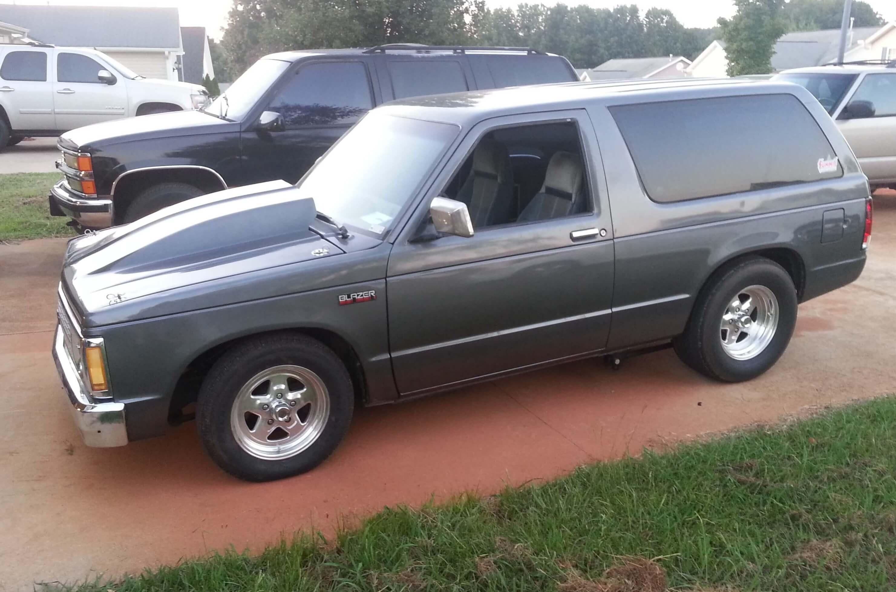 Michael's 1985 Chevrolet S10 Blazer - Holley My Garage