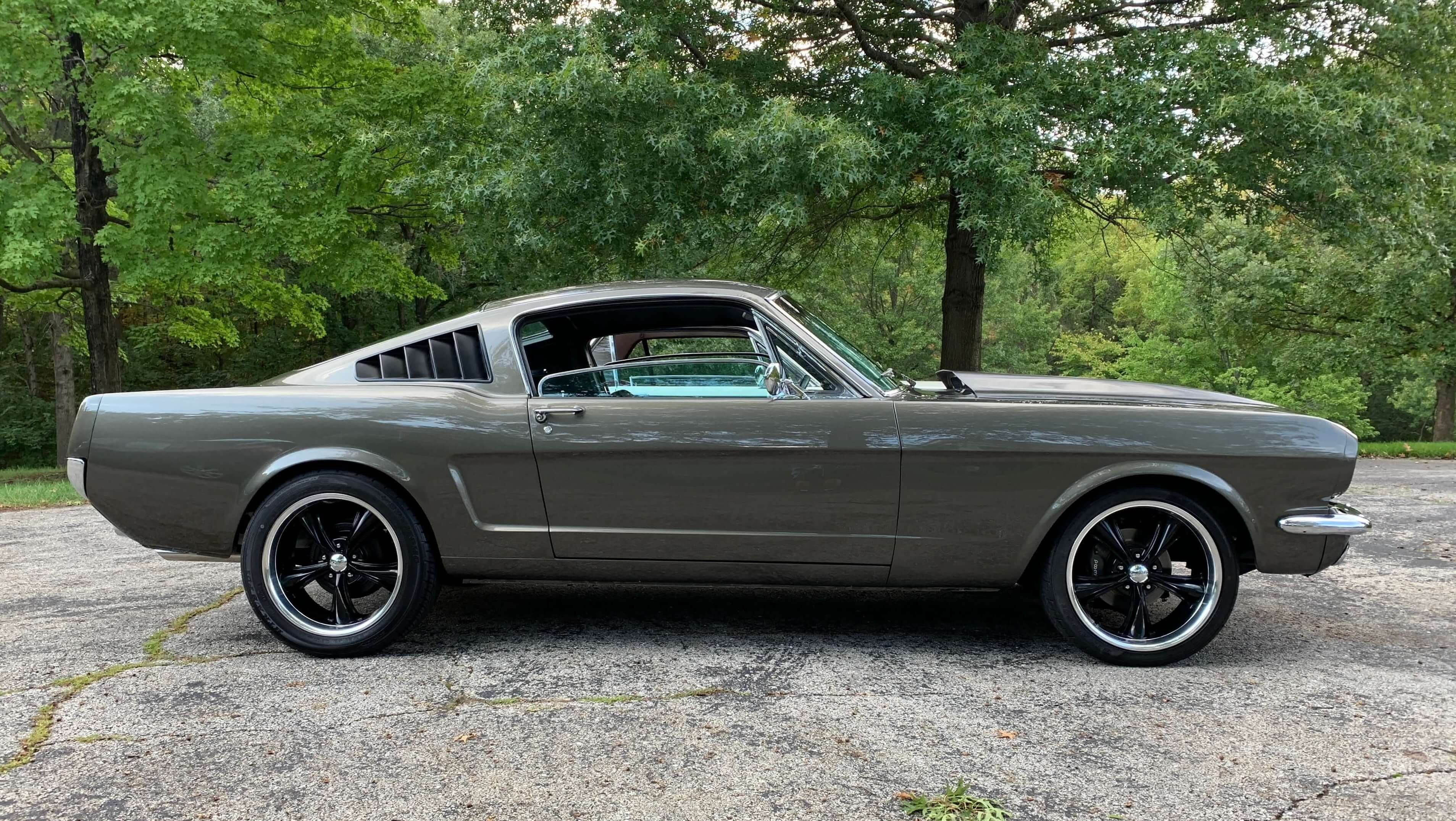 Bruce's 1966 Ford Mustang - Holley My Garage